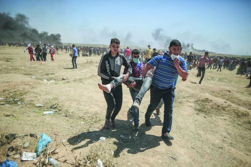팔레스티나 항의자와 이스라엘 군변측 충돌, 55명 팔레스티나인 사망