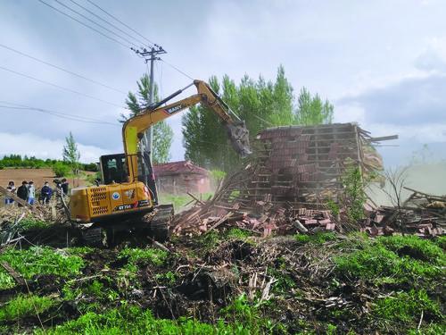 화룡시 동성진 동성촌에서 마을 환경 개선