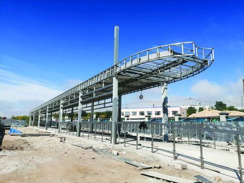 연길시 공원로 벽수원림 소구역 북쪽에 위치한 BRT정류소 건설현장